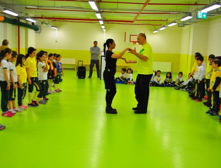 Alper Alakut'77 ile Kalev İlkokulu'nda Dans Rüzgarı Esti…