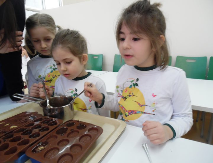 Beyhan Aydın Çikolata Yapımını Öğretti