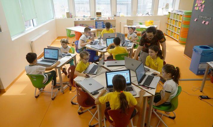 """""""Teknolojik Eller"""": Üretirken Öğrenmek"""